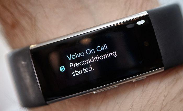 Microsoft Band 2 научат управлять функциями автомобилей Volvo на расстоянии